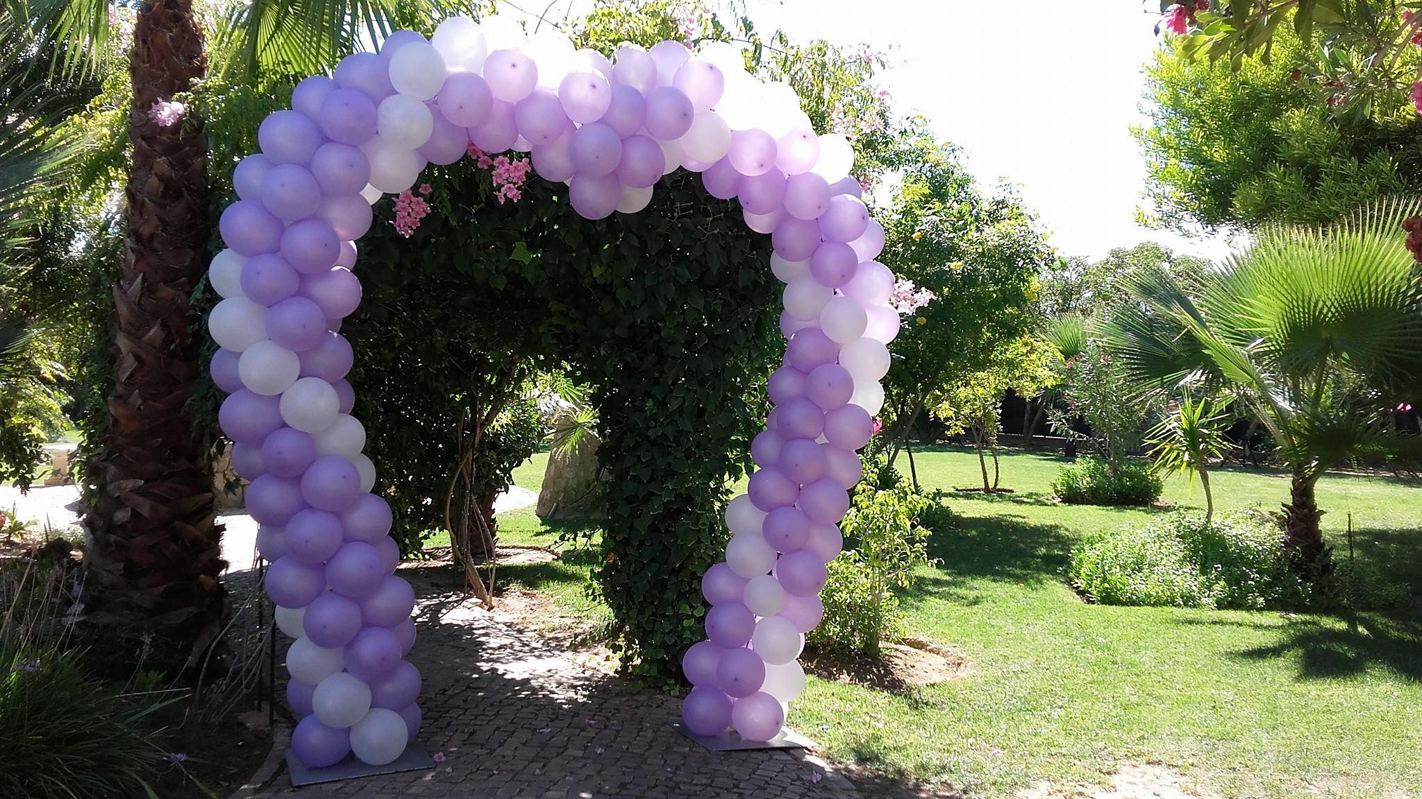 Arco de Balões Coração | Oficina de Sonhos - Animação e Decoração de Eventos Algarve