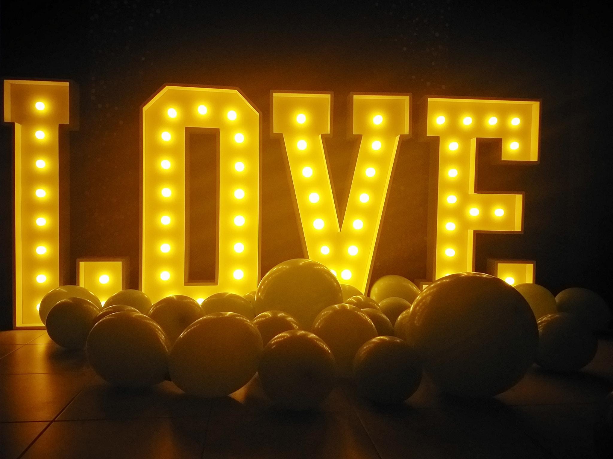 Letras Love LED Casamentos | Oficina de Sonhos - Animação e Decoração de Eventos Algarve