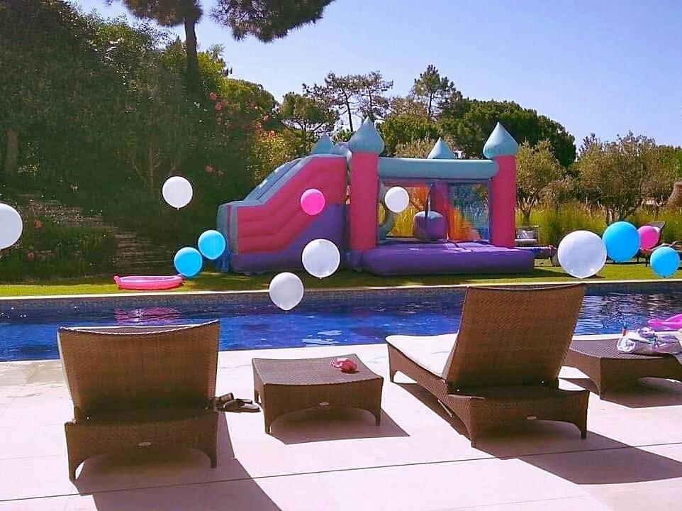 Insuflável Castelo Rosa | Aluguer de Insufláveis Oficina de Sonhos Algarve